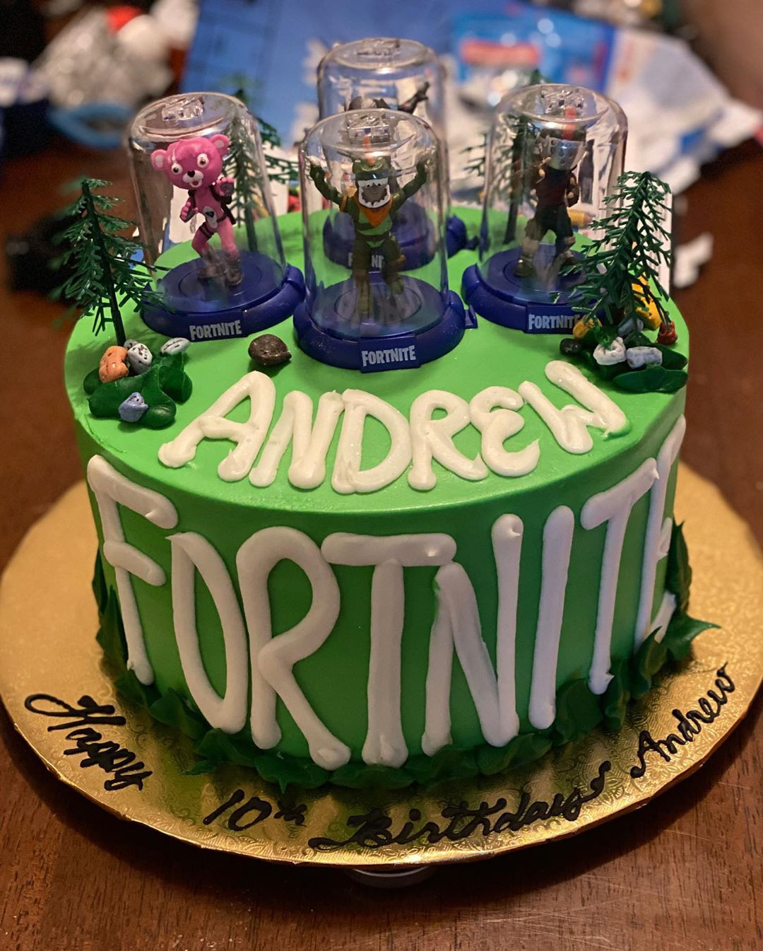 46 Amazing Fortnite Cakes and Cupcakes for an Epic Birthday Bash!