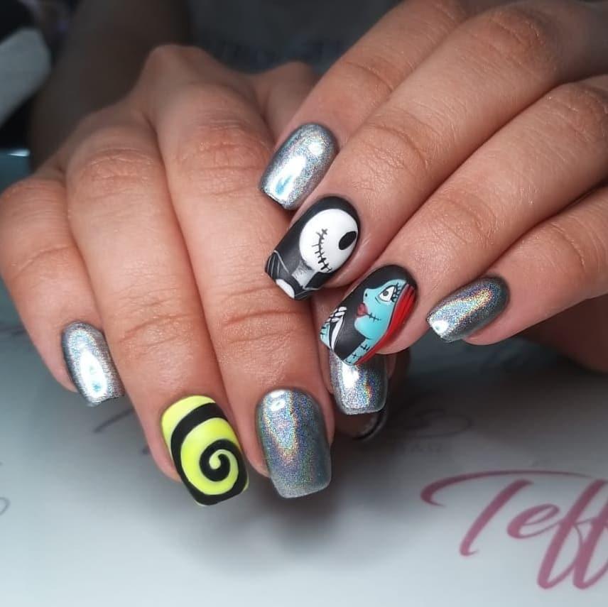 55 Amazing Halloween Nail Art Ideas #Halloween #HalloweenNail