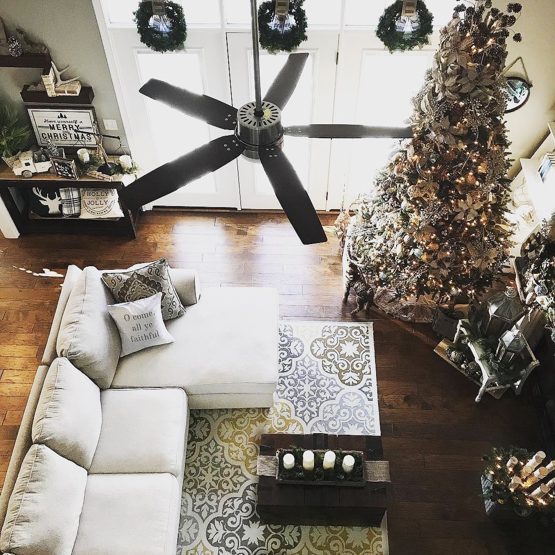 56 Fascinating Christmas Decor Ideas For Living Room