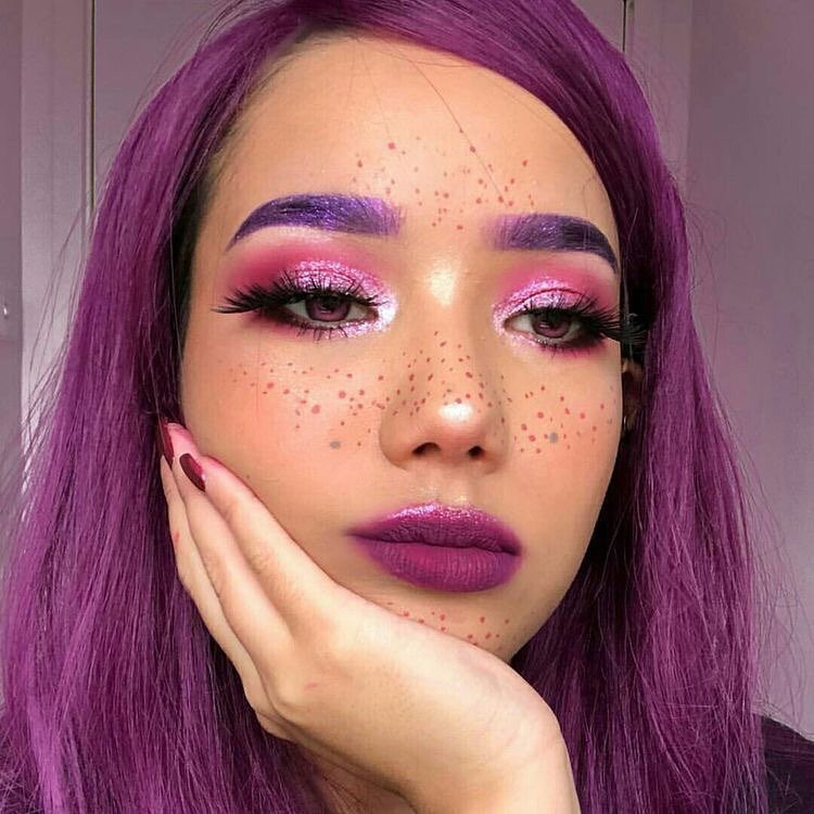 Grunge Makeup Ideas You Want to Display,90s grunge makeup,grunge makeup for dark skin,grunge makeup tutorial easy,80s grunge makeup