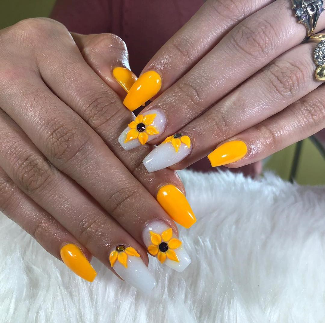 Pretty Acrylic Coffin Nails Designs Ideas for Summer,acrylic nails coffin ombre,coffin acrylic nails ideas,coffin acrylic nails long