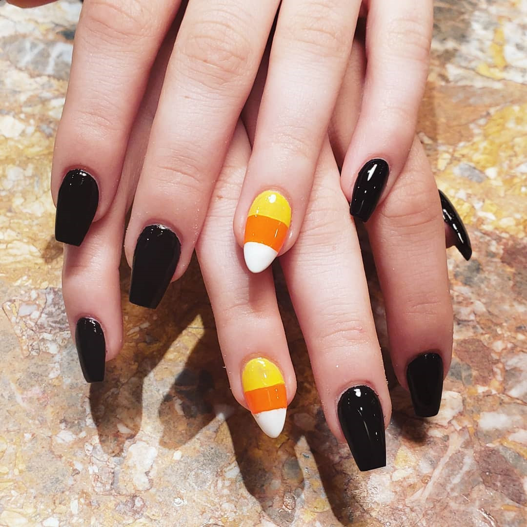 Pretty Acrylic Coffin Nails Designs Ideas for Summer,acrylic nails coffin ombre,coffin acrylic nails ideas,coffin acrylic nails long