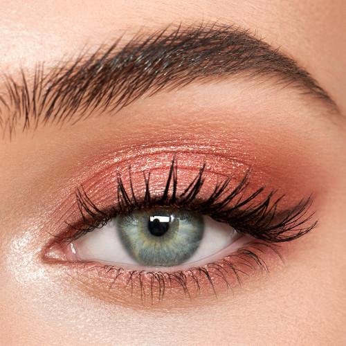 Trendy Natural Pink Eye Makeup Looks, #Pink #Eyes #Makeup #Eyeshadow #glitter #subtle #bold #rosegold