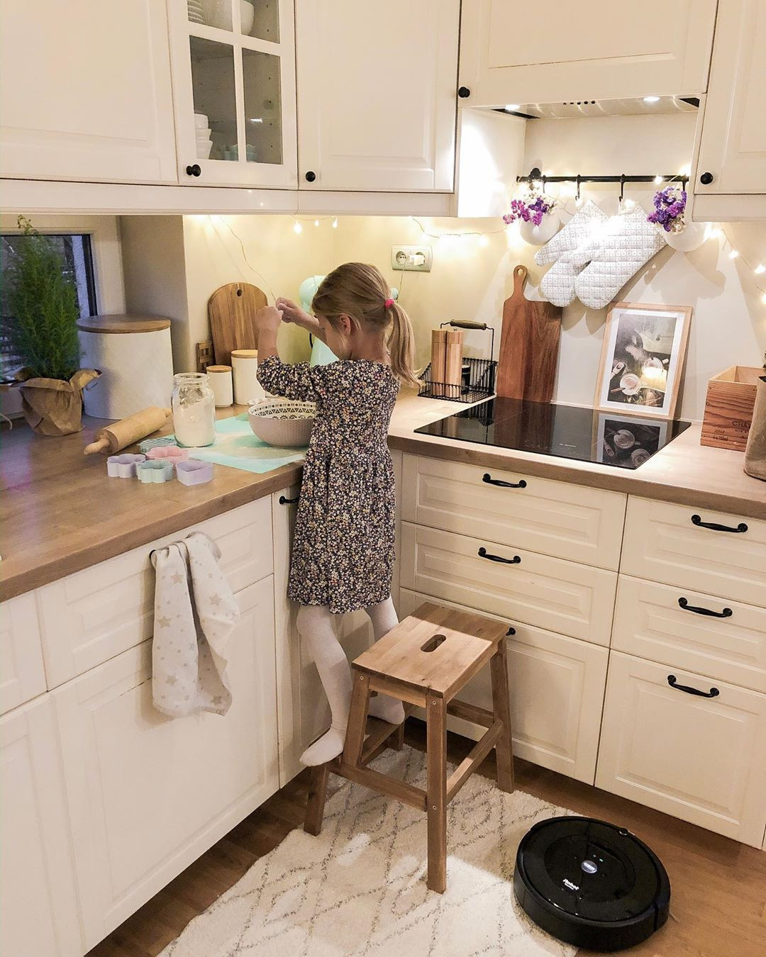 46 Elegant Small White Kitchen Design Ideas For Modern Home