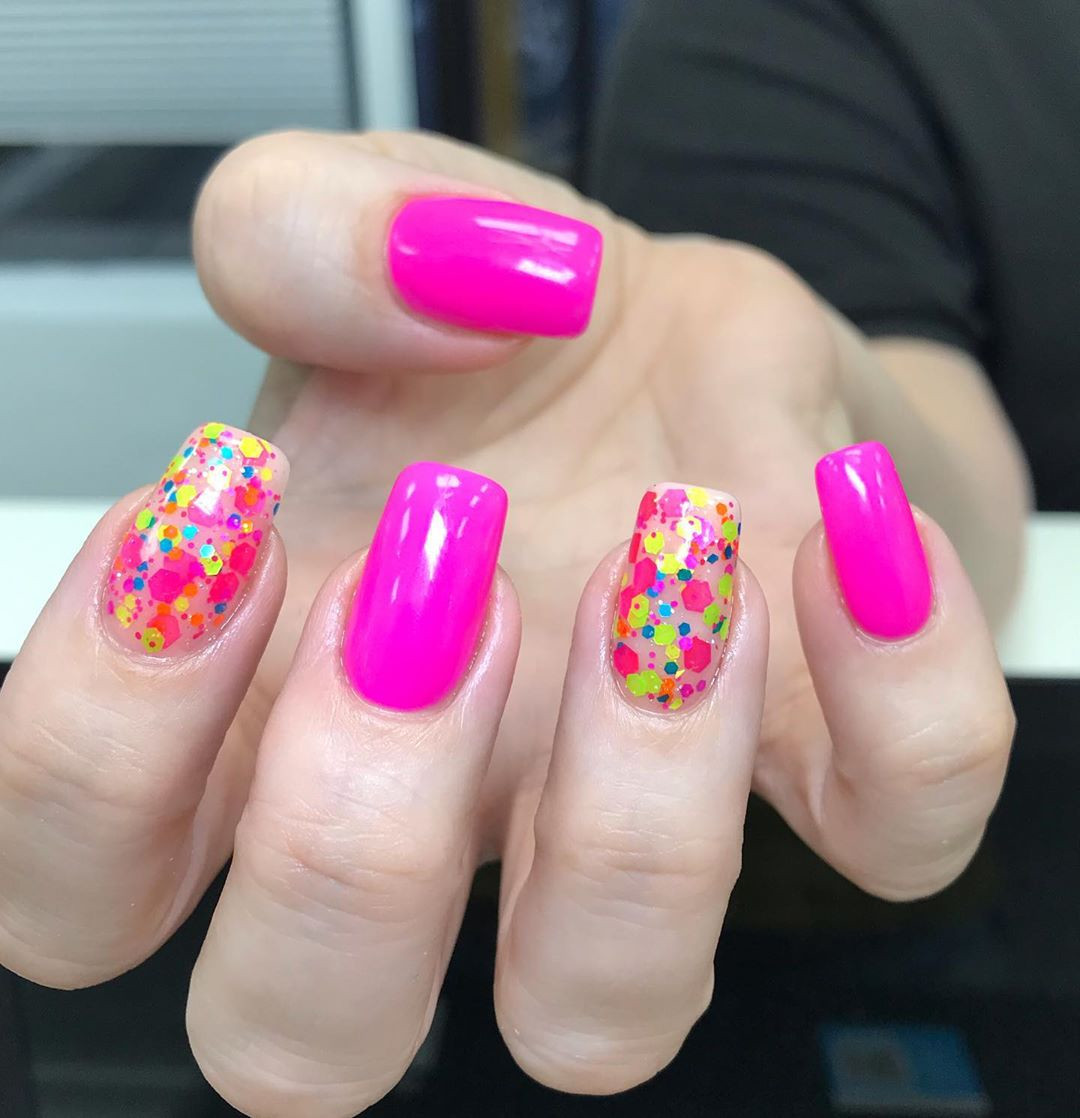 Pretty Nail Art Designs for Short Acrylic Nails,short acrylic nails coffin,short acrylic nails square,acrylic nail designs for spring,short acrylic nails almond
