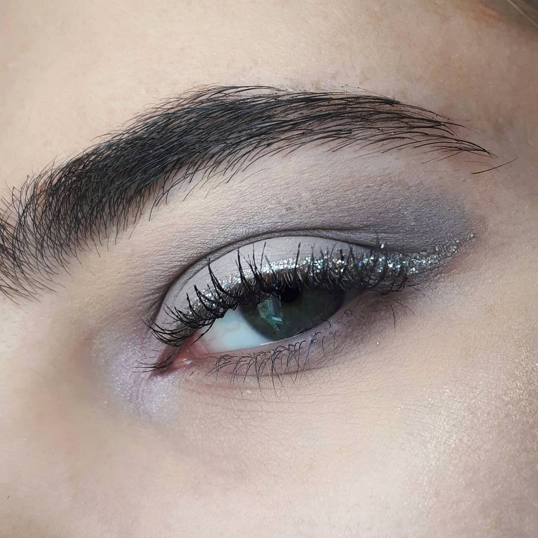 23 Best Grey Bedroom Ideas And Designs For 2020: 40 Glamorous Silver Grey Eye Makeup You Are Sure To Love