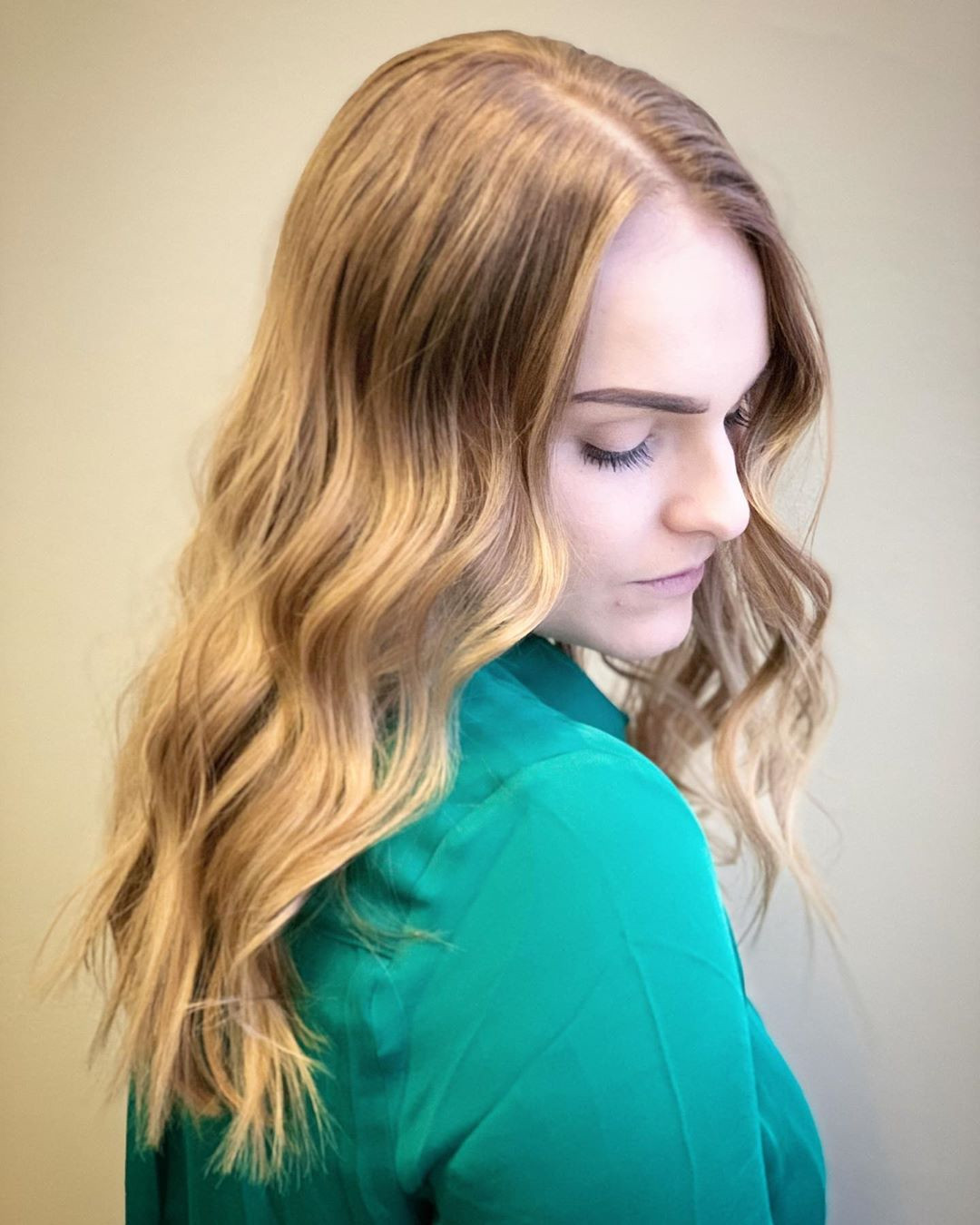 46 Trendy Light Brown Hairstyles Color To Try For A New Look,light brown hair with lowlights,light brown hair color pictures  #balayage #blondebalayage #hairpainting #hairpainters #bronde #brondebalayage #highlights #ombrehair