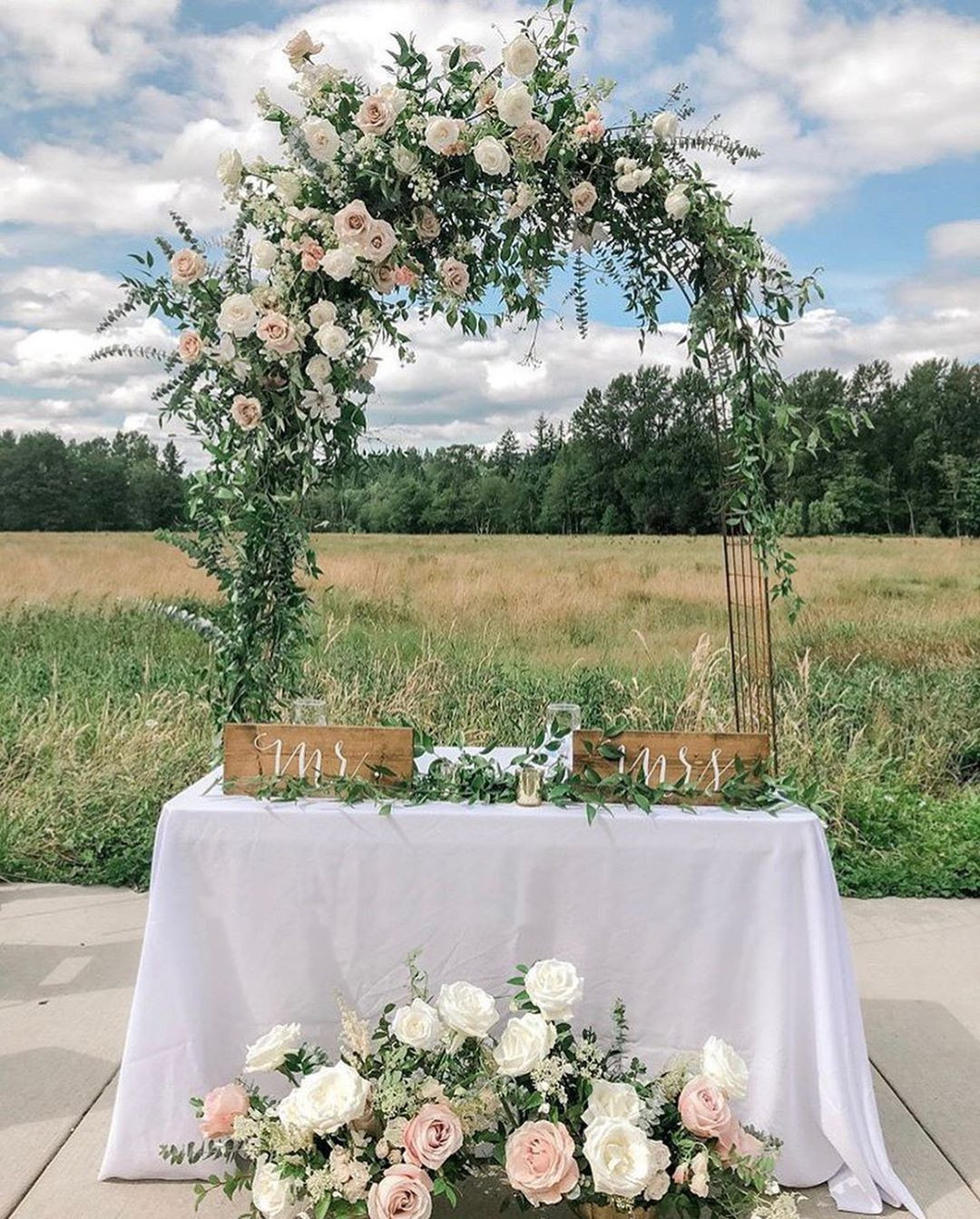 45 Best  Wedding Arches Ideas For Inspirations,outdoor wedding arch ideas,indoor wedding arch ideas,cheap wedding arch ideas,diy wedding arch ideas