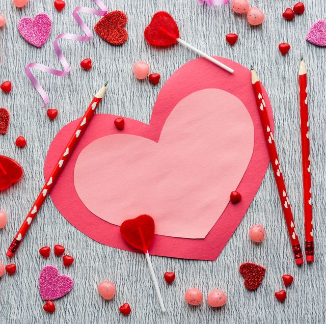 50 Best Valentine's Day Gifts for Her 2020,valentines day gifts for boyfriend,valentines day gifts for her,valentines day gifts for him,valentines day gifts for girlfriend