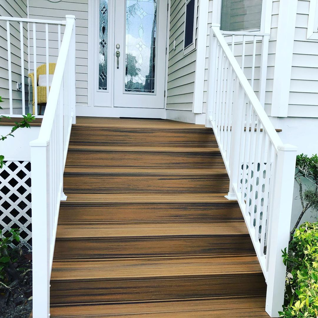 40+ Porch Railing Ideas You Can Build Yourself,vinyl porch railing ideas,cheap porch railing ideas,farmhouse front porch railing ideas