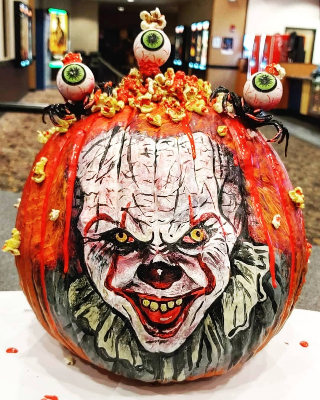 42 Easy Painted Pumpkins to DIY This Halloween,pumpkin painting stencils,pumpkin painting ideas 2020,pumpkin painting ideas 2019,mini pumpkin painting ideas