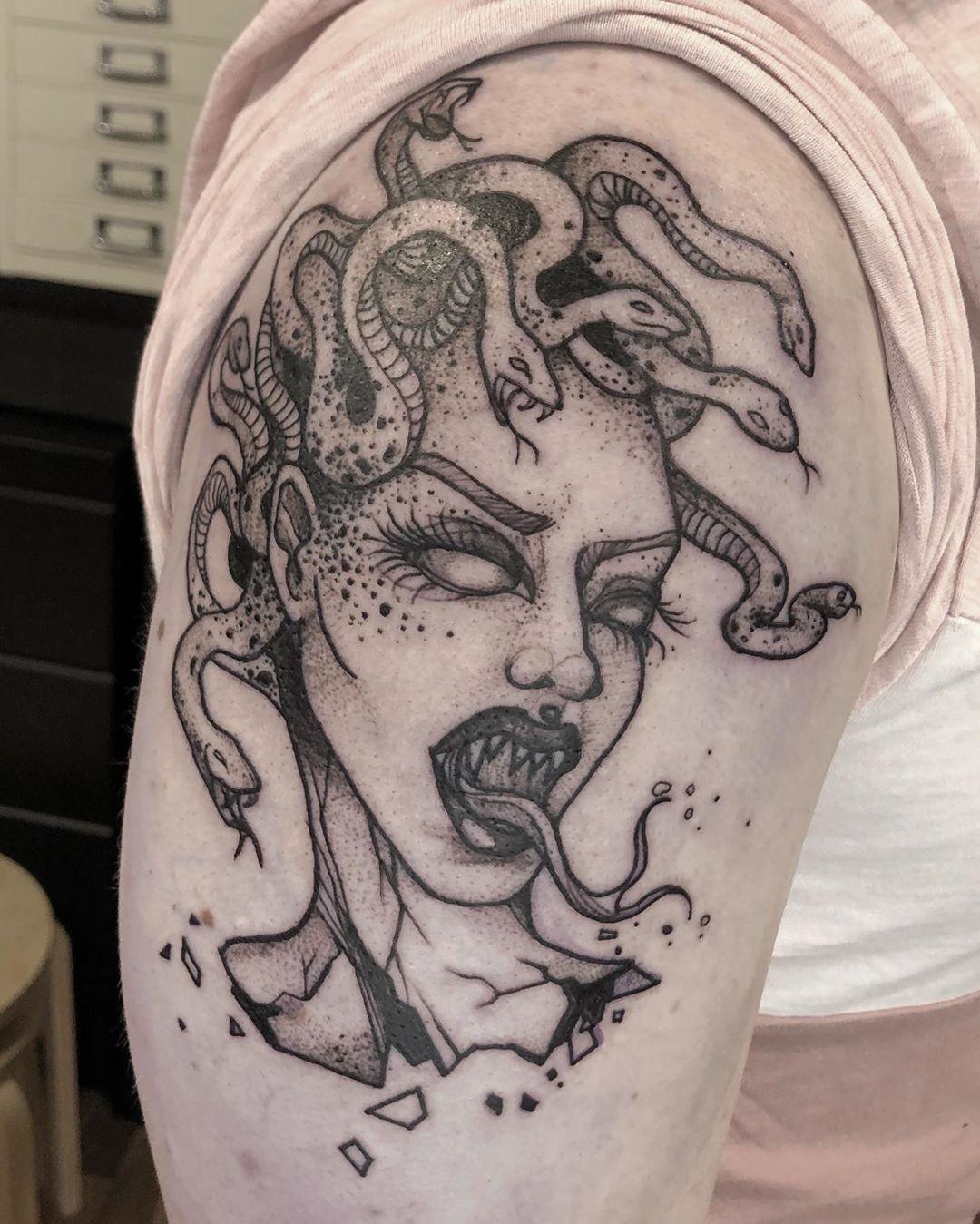 50 Medusa Tattoo Designs For Men and Women,beautiful medusa tattoo,medusa tattoo hand,versace medusa tattoo,medusa tattoo chest
